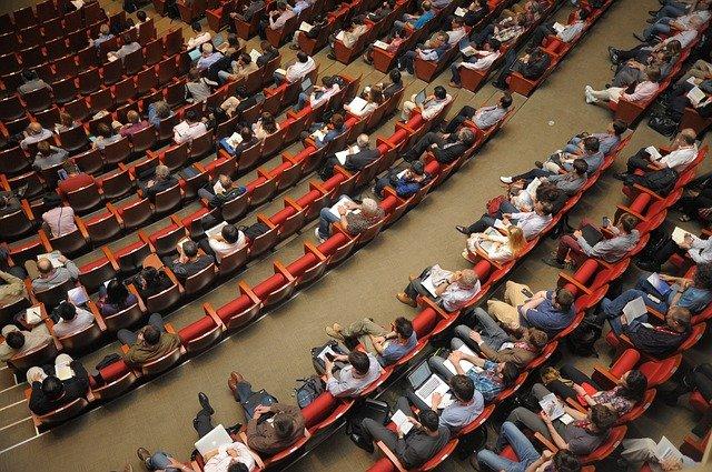 mezinárodní konference.jpg