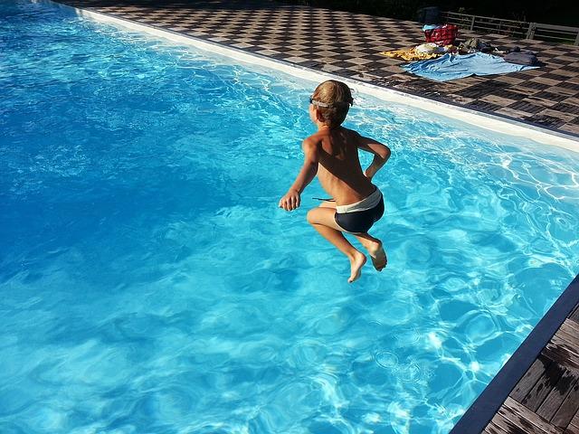 skok kluka do vody