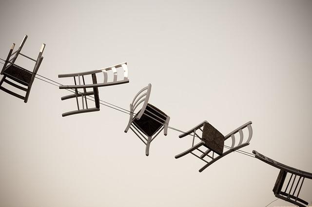 židle na lanech